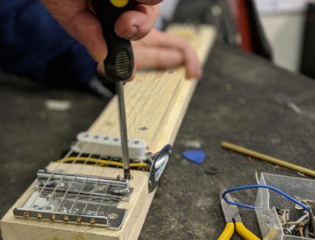 building a lapsteel guitar